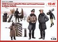 German Luftwaffe Pilots and Ground Personnel in Winter Uniform (5 figures)