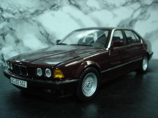 Minichamps MPS 100023001 BMW 730i 1987