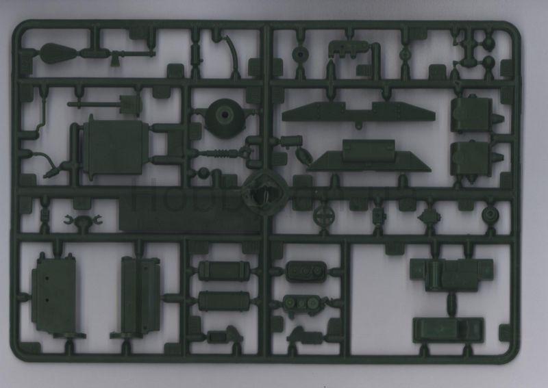 На шасси бронетранспортера БТР-152В, для борьбы с низколетящими целями был создан БТР-152Е, в корпусе которого была...