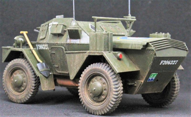 DINGO Mk.III BRITISH ARMORED CAR w/CREW